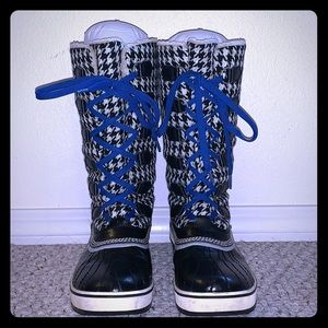 Sorel Black And WhiteHoundstooth Winter Boots